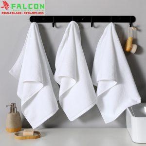 khăn mặt và khăn tay dùng trong khách sạn resort